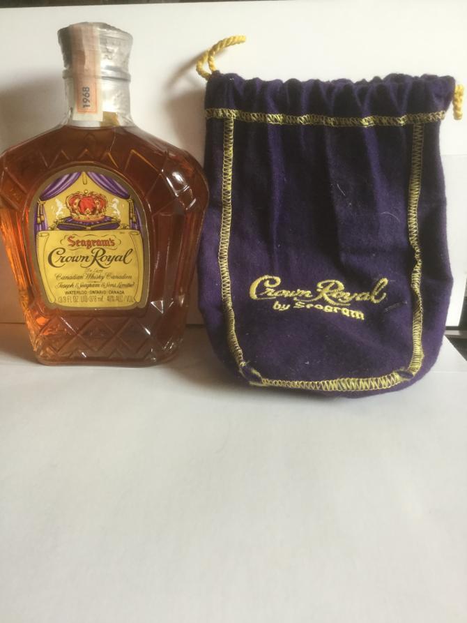 Crown Royal Seagram's Crown Royal de Luxe