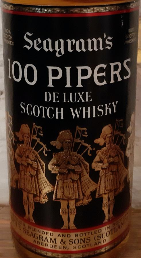 100 Pipers De Luxe Scotch Whisky