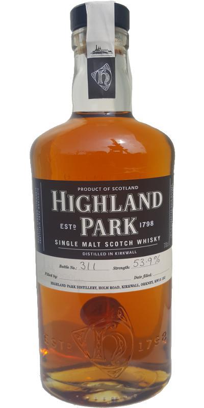 Highland Park Distillery Hand Bottling